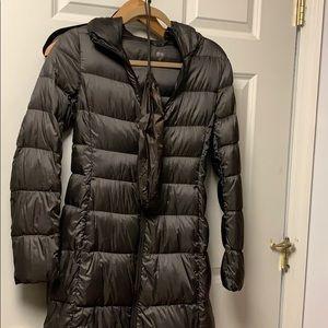 Uniqlo Ultra light jacket in dark brown XS